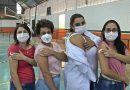 Enfermeiras que fazem o acompanhamento de pacientes com Covid-19 são as primeiras vacinadas em Taquaritinga (SP)