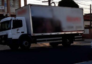 Em Taquaritinga (SP): Caminhão levado durante assalto é encontrado em área rural de Guariba (SP)