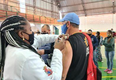 Em Taquaritinga (SP): Saúde retoma vacinação contra a Covid-19 para pessoas com 28 anos